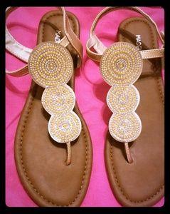 Madeline Stuart size 9W rhinestoned sandals NWOT